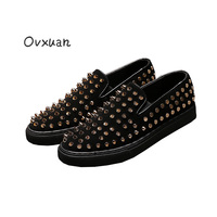 Ovxuan Black Velvet Pointed And Coin Type Rivets Men Loafers Fashion Party And Street Herenschoenen Casual