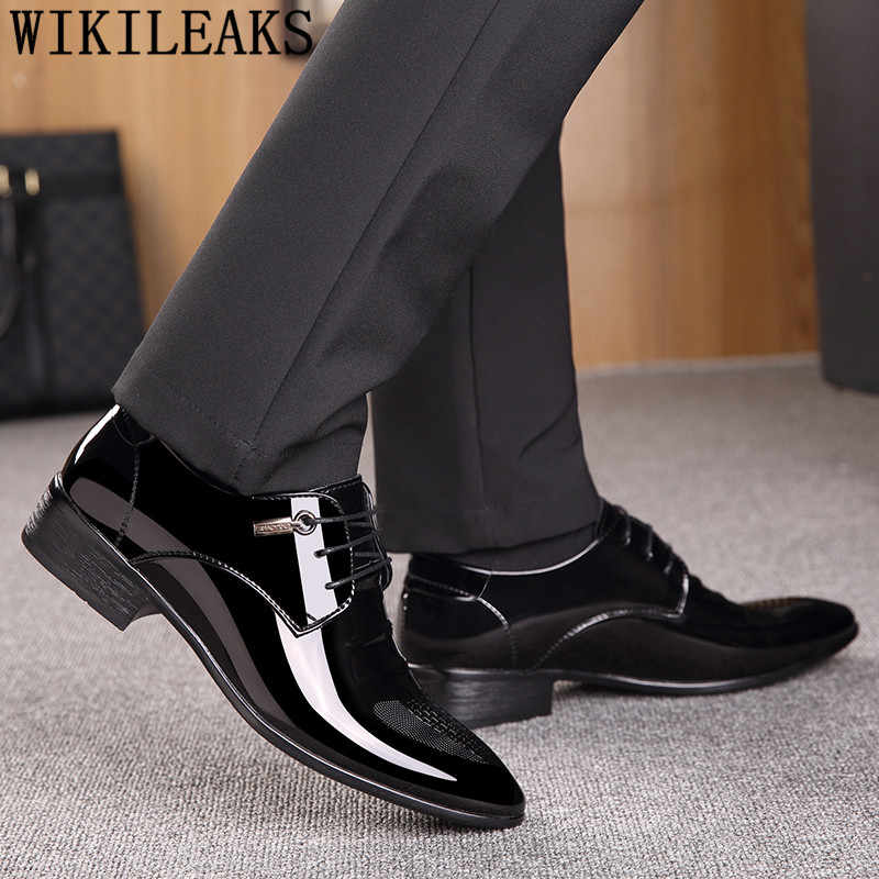 黒デザイナーフォーマルオックスフォードシューズ結婚式の靴の革イタリアポインテッドトゥメンズドレスシューズ 2020 sapato オックスフォード masculino