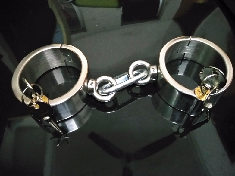 Sex Shop Newest Stainless Steel Adult Sex Handcuffs Sex Salve Games Sex Products BDSM Fetish Bongdage Harness For Men and Women. adult games sexy fetish latex headhood rubber head masker met mond condoom sex product for lover