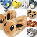 Anime Cartoon Monsters Sylveon Espeon Pikachu Snorlax Casa Felpa Zapatillas de Casa de Invierno Zapatos Suaves Juguetes De Peluche 3 Colores AP0125