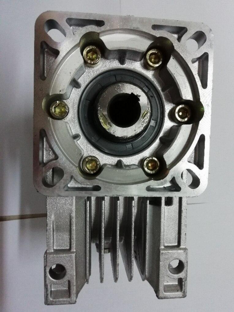 Worm Reducer NMRV050 19mm input shaft 5:1 - 100 :1 Gear Ratio Nema 42 Worm Gearbox 90 Degree Speed ReducerWorm Reducer NMRV050 19mm input shaft 5:1 - 100 :1 Gear Ratio Nema 42 Worm Gearbox 90 Degree Speed Reducer