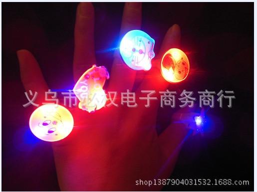 2016 new amusing funny Soft flash ring flashing luminous ring light ring soft ring kids child girl gift toy 50pcs free shipping