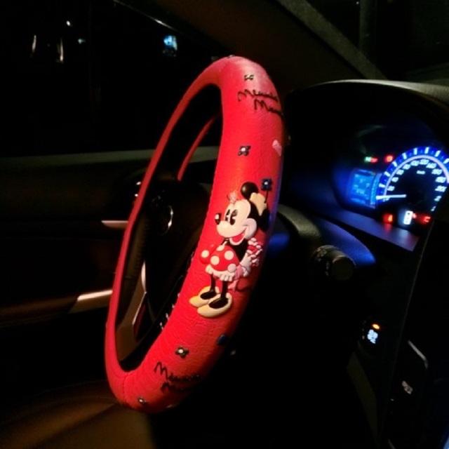 Cubierta del volante del coche del arco del estilo del coche lindo de la historieta Universal Interior accesorios conjunto mujeres/hombre 4 cubierta del coche del diseño caliente nuevo