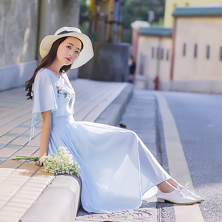 Women dress Chiffon Peacock Feathers Delicate Embroidered Heart-shaped Backless Dresses Light Blue 8051