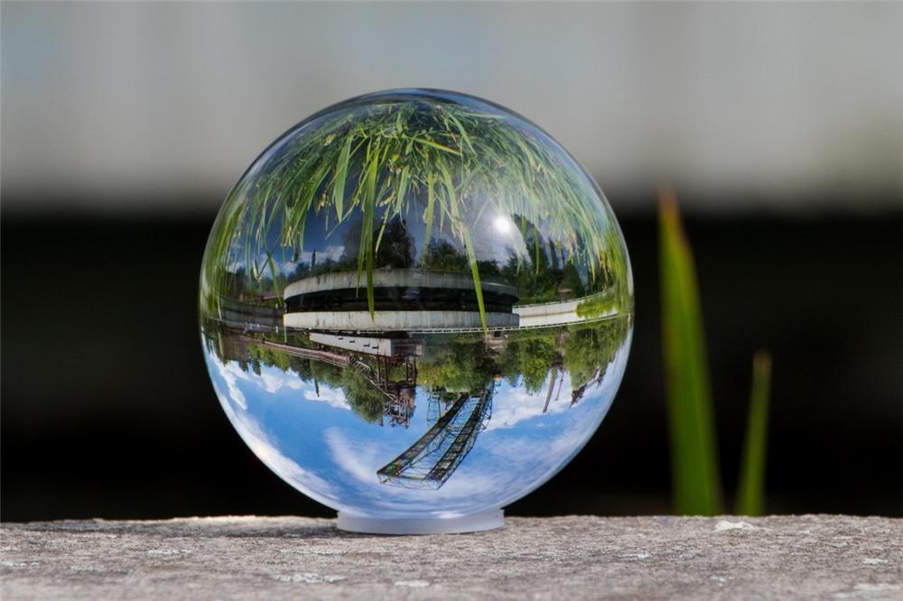 glass_ball_nature_ball_about_glass_landscape_mirroring_globe_image-1408056