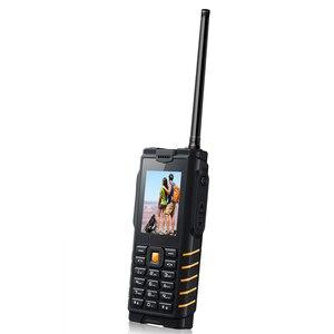Image 2 - Ioutdoor T2 IP68 Su Geçirmez Sağlam interkom Telsiz Cep Telefonu Güçlü Sinyal El Feneri Uzun Bekleme Güç Banka P010