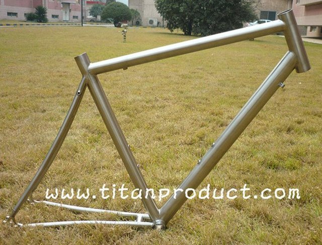 3AL/2.5V Titanium Road Frame (With External Head Tube, Rack Mounts and Mudguard Mounts)