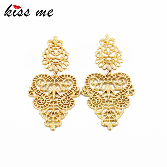 KISS ME Designer Jewelry Hot Selling Elegant Gold Color Metal Hollow