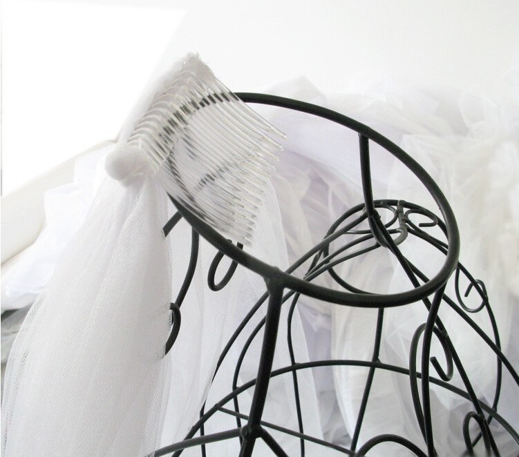 2017 Elegant Wedding Veil 3 Meters Long Soft Bridal Veils With Comb One-layer Ivory White Color Bride Wedding Accessories 7