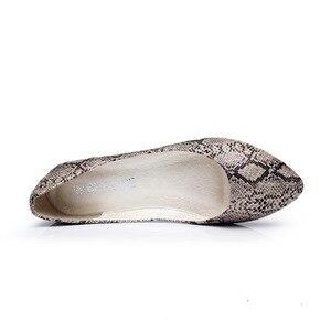 Image 3 - BEYARNE plus size35  41 nowych kobiet mieszkania moda wzór skóry węża płaskie buty kobieta obuwie damskie mokasyny