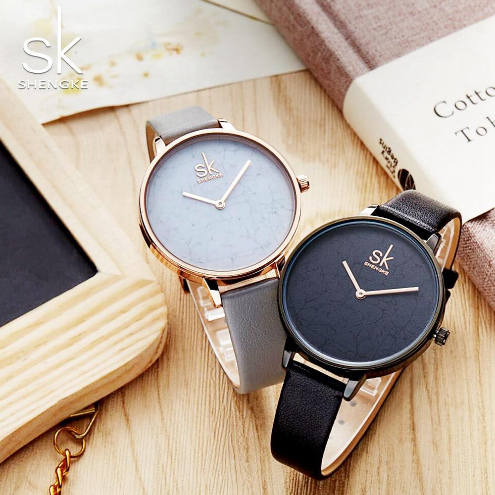Shengke Frauen Leder Uhr Einfache Stil Uhr Frauen Gold Zifferblatt Weibliche Armbanduhr Quarzuhr Dame Romantische Geschenke 2018 Neue