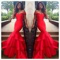 Fuera del hombro del vestido de sirena roja de baile vestidos largos con gradas del baile vestidos