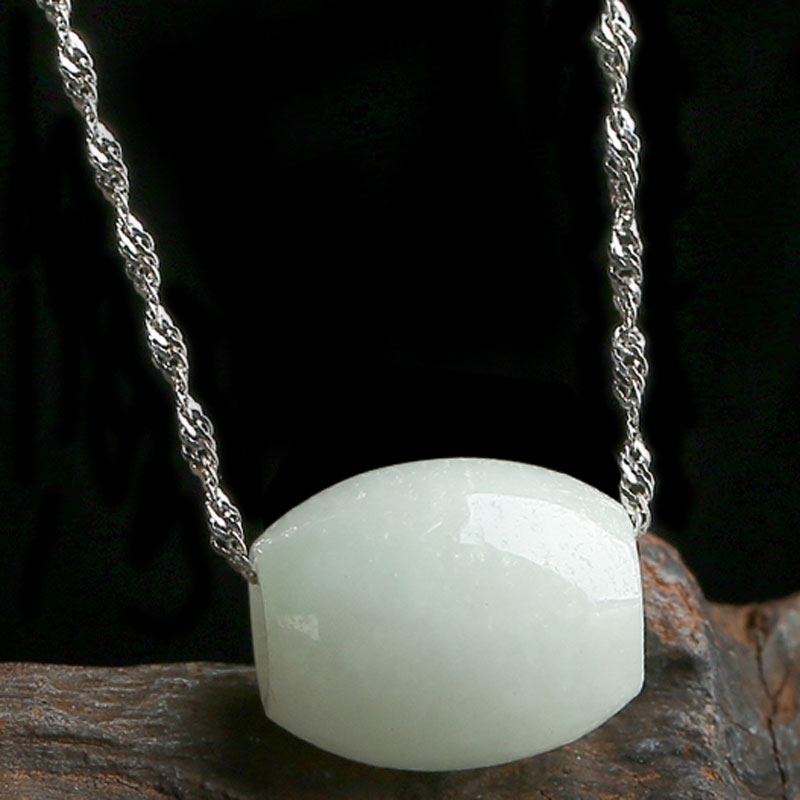 Natural A-class Emerald Road Road Pass Pendant Fashion Lady 925 Sterling Silver Necklace Jade Pendant Jewelry Gift