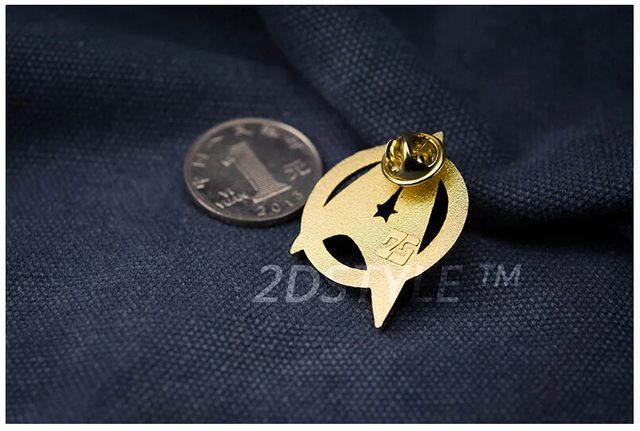 Star Trek Starfleet Command Division Golden Badge Alloy+Gold-plated StarTrek Command Insignia Cosplay Brooch Pin 2