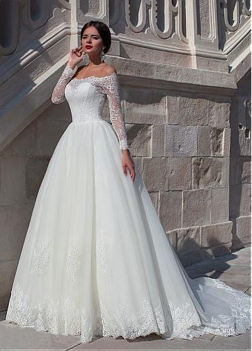 Image 3 - Fabulous Organza Off the shoulder Neckline Ball Gown Wedding Dress With Beaded Lace Appliques  Long Sleeve Bridal Gowns  2019-in Wedding Dresses from Weddings & Events