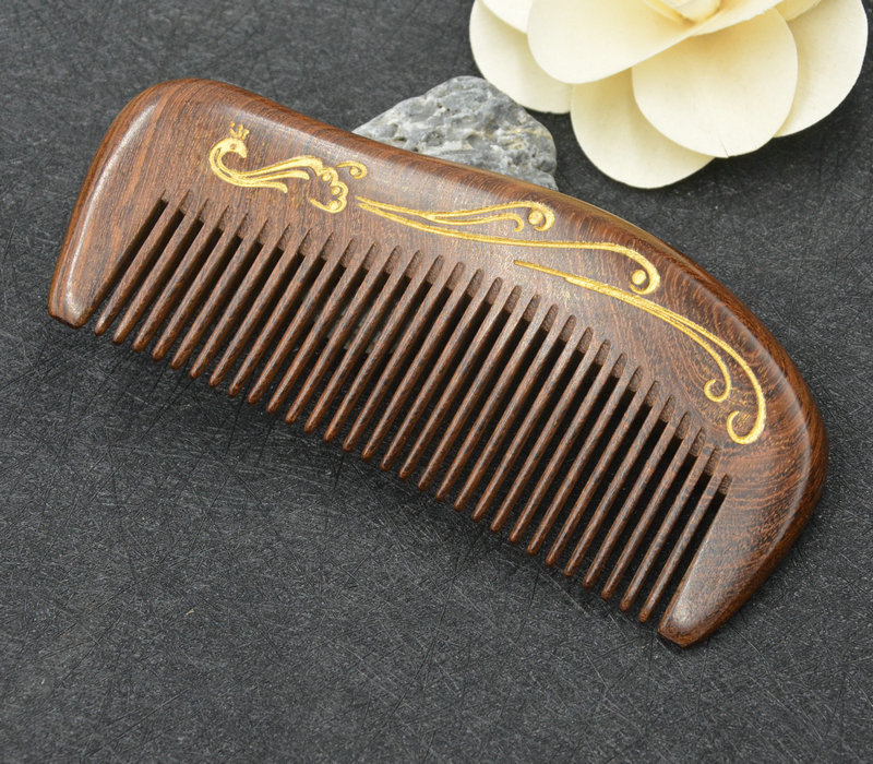 Authentic natural sandalwood combs gold wire sandalwood horn carved engraved gold authentic models authentic models ap455