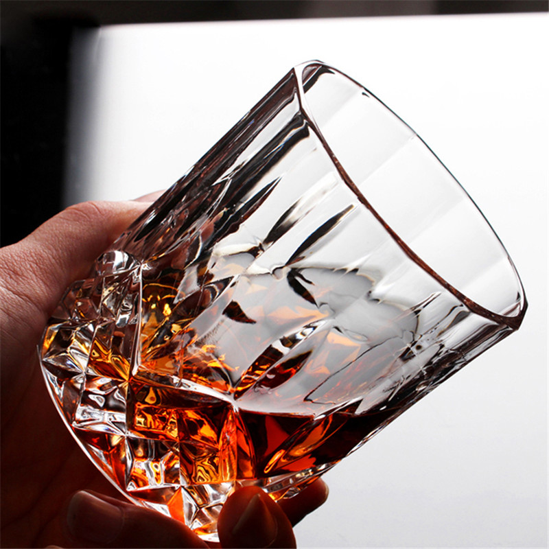 1Pcs Creative Reliefs carved heat resistant Crystal Whiskey Glass Cup Party Hotel Wedding Glass Gift Drinkware