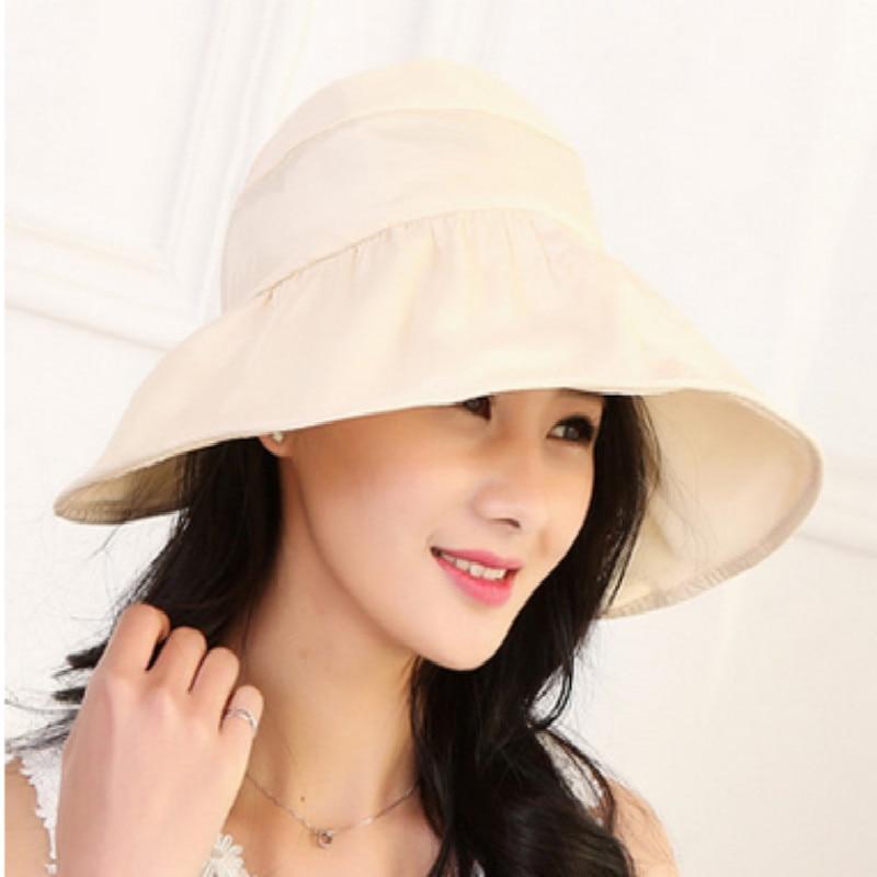 Девушка сидит на унитазе с шляпой сомбреро фото фото 493-251