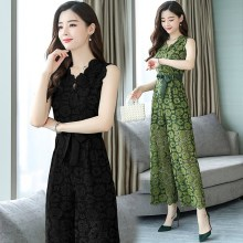 f8f59fa18f4 2018 Summer Women Green Tie Waist Sleeveless V-Neck Elegant Jumpsuits  Floral Lace Hollow Out