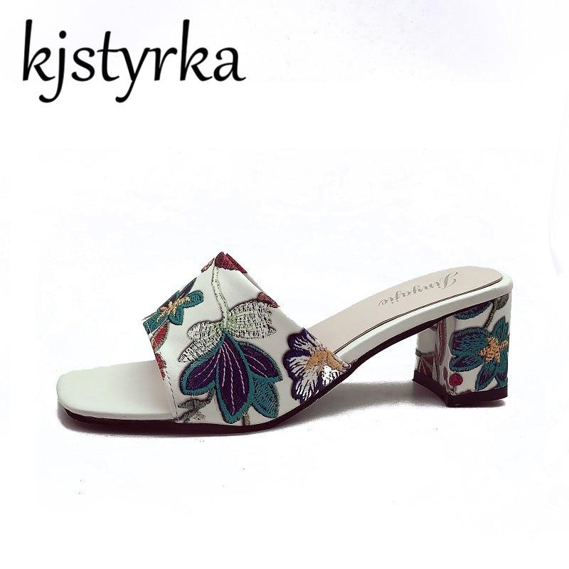 Kjstyrka модные женские туфли тапочки Цветочный принт кожи толстый каблук высокие каблуки 5 см летние женские шлепанцы с открытым носком сандал...