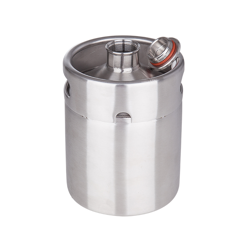 Image 4 - New arrived 304 Stainless Steel 5L/3.6L/2L Mini Keg Beer Growler Portable Beer Bottle Home Beer Making Bar Accessories Tool-in Other Bar Accessories from Home & Garden