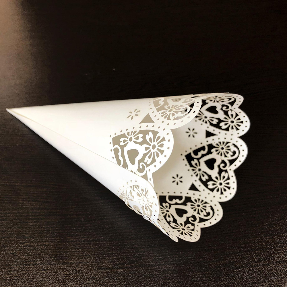Image 3 - 50pcs Wedding Party Confetti Cones Petal Candy Placing Wedding Favors Stitch Heart,Flower Border Paper Cones Gift Packing Paper-in Gift Bags & Wrapping Supplies from Home & Garden