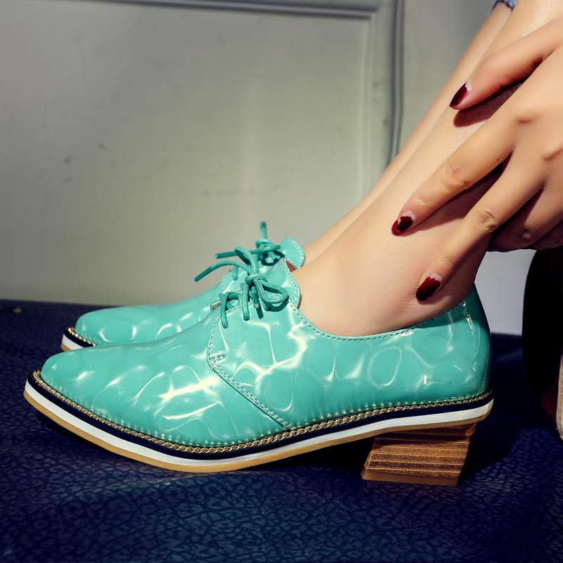 ФОТО 2017 Fashion colorful patent leather solid superstar brand shoes med heels pointed toe PU leather big size women lazy shoes 6-9