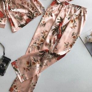 Image 5 - Lente en Herfst Gedrukt Lange Mouw Gesimuleerde Zijde Vrijetijdskleding Dunne Sexy driedelig Pak Jas + Vest + broek Pyjama Set Femme