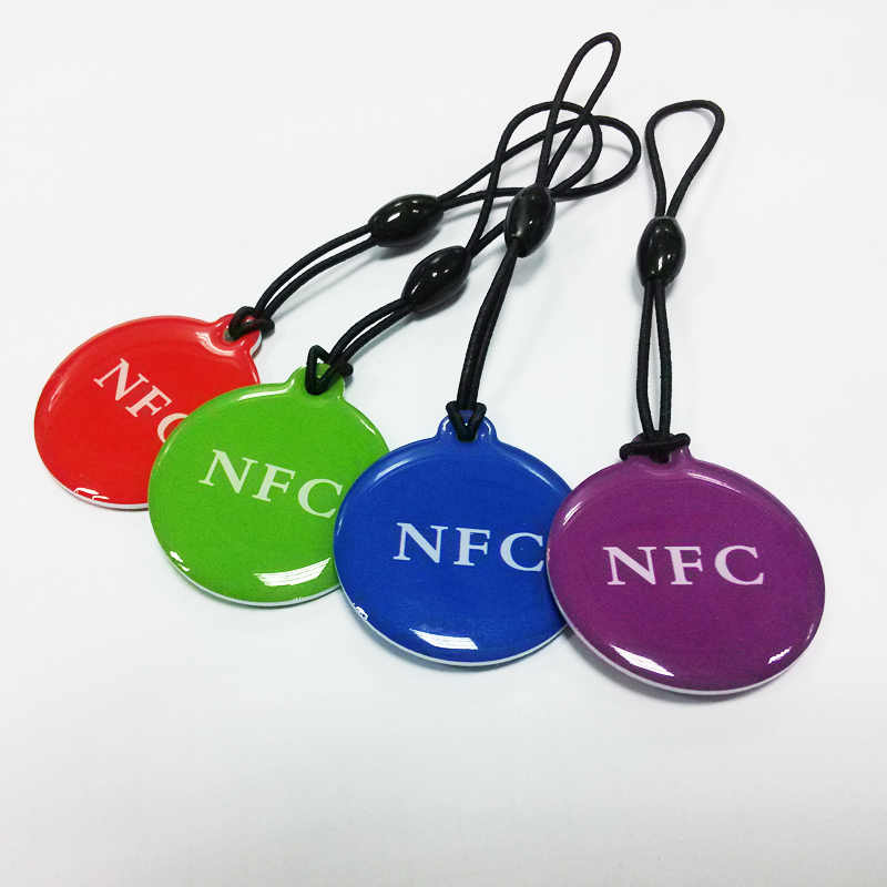(4 stks/partij) ntag216 NFC Tags Key Token 13.56mhz RFID 868 bytes Kaart Label Sleutelhanger voor Alle NFC android telefoon