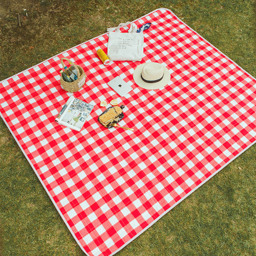 Hot sales! Outdoor Moisture-proof Picnic Camping Oxford Cloth Carpet Wear-resistant Pad Rugs Waterproof Living Room Floor MatHot sales! Outdoor Moisture-proof Picnic Camping Oxford Cloth Carpet Wear-resistant Pad Rugs Waterproof Living Room Floor Mat