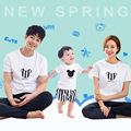 Семья одежды выглядят мода мультфильм милый с коротким рукавом футболки тис соответствующие костюмы одежда для матери мама дочь отца сыну
