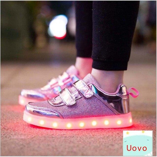 79ab6f1dbdef3f OMDS 3 Farbe Kinder Turnschuhe Mode Lade Luminous Beleuchteten Bunte Led  leuchten Kinder Schuhe Casual Flache Mädchen Jungen Schuhe Yxx in OMDS 3  Farbe ...