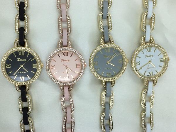 Reloj de pulsera de diamantes de imitación de la manera delgada - Relojes para mujeres
