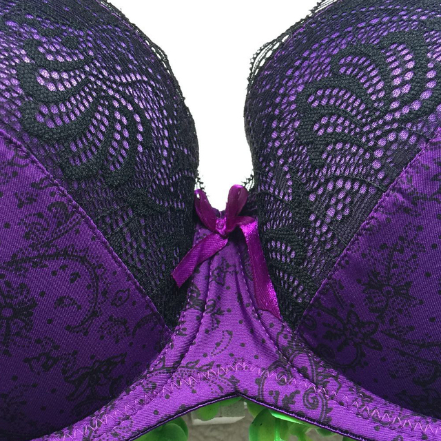 DeRuiLaDy Women Sexy Plus Size Embroidered Lace Bra Sets Embroidered Thong Bra And Panty Set Size 34 36 38 40 Sexy Lingerie Set
