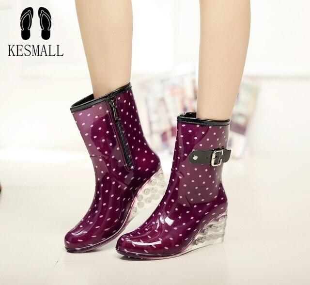 KESMALL الربيع الشتاء 6 سنتيمتر حوالي عالية الكعب منتصف العجل أحذية النساء إسفين احذية المطر Preppy نمط الصلبة للماء مشبك أحذية WS292