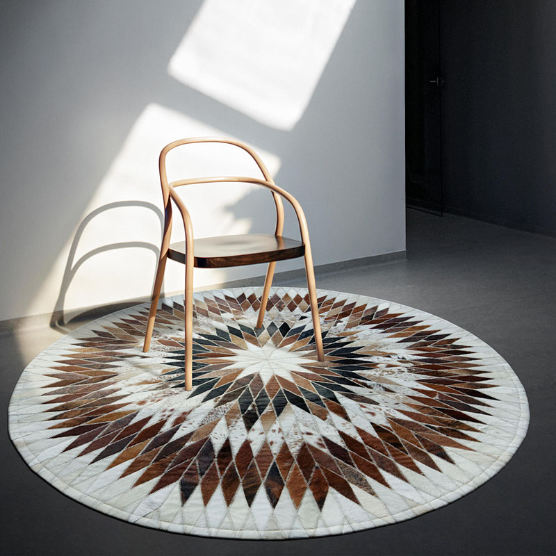 American Style Round Shaped Cowhide Seamed Patchwork Rug, Natural Milch Cow Fur Carpet  For Living Room Decoration Fur Mat