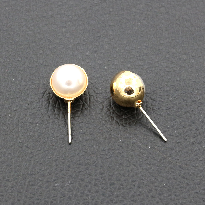 New Design Golden Sivler Metal Semicircle Encasing White Sleek Simulated Pearl Fashion Stud Earrings for Women