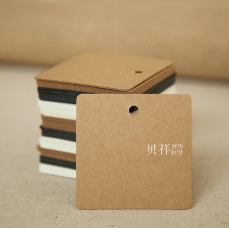 Free shipping 100pcs 6x6cm 3 Colors Square Kraft Paper Gift Hang Tags Bookmark Wedding Christmas Scallop Label Blank Luggage tag
