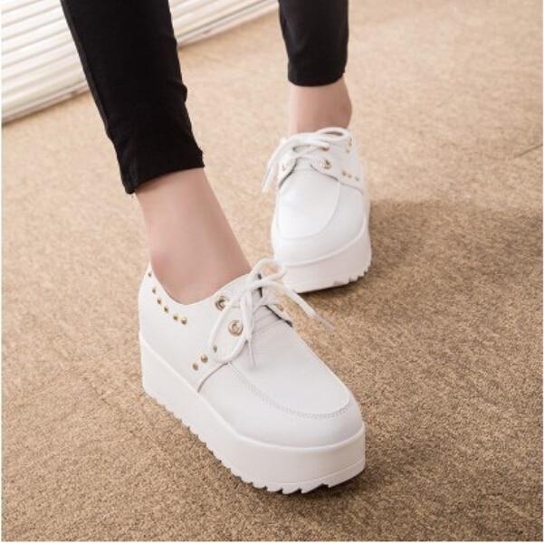 2018 새로운 패션 영국 고스 펑크 크리퍼 플랫 뜨거운 판매 레이스 해골 미국 패션 보트 신발 a16