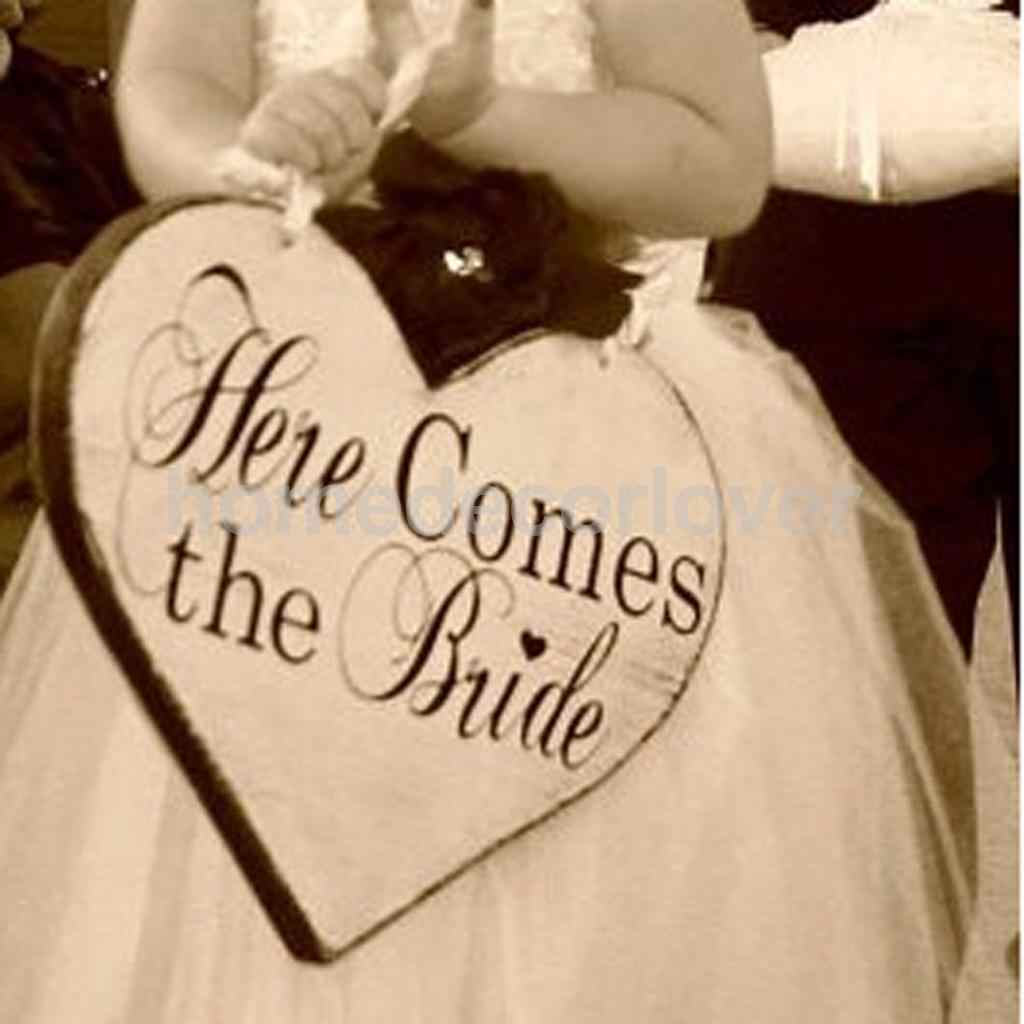 Here Comes The Bride Sign Wedding Day Heart Shape Board Wedding Ceremony Decor