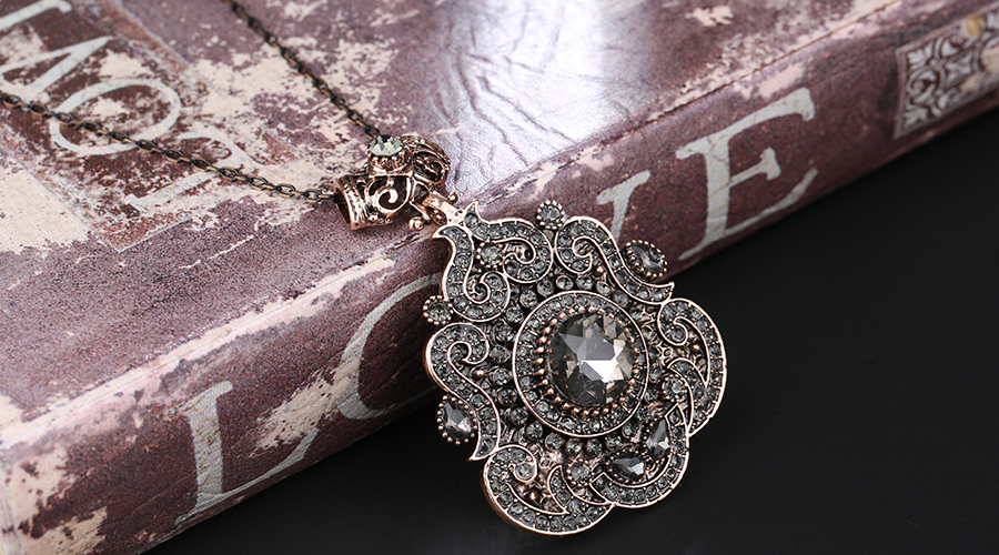 HTB1vYR aizxK1Rjy1zkq6yHrVXaD - Kinel Bohemia Ethnic Necklace For Women Antique Gold Gray Crystal Statement Pendant Necklace Vintage Jewelry New Style