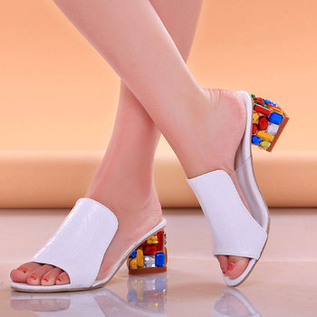 Sandálias de salto de moda Mulheres Apartamentos Flor Elegante Peep Toe Sandálias PU Saltos quadrados Senhoras coloridas Sapatos casuais Sandalias Mujer 1