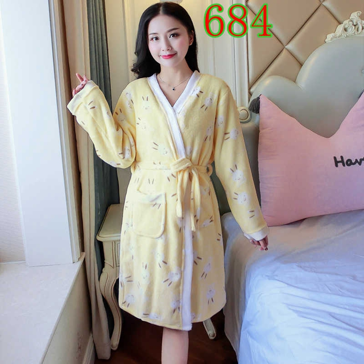 2PCS Sexy Thick Warm Flannel Robes Sets for Women 2018 Winter Coral Velvet Lingerie Night Dress Bathrobe Two Piece Set Nightgown 305