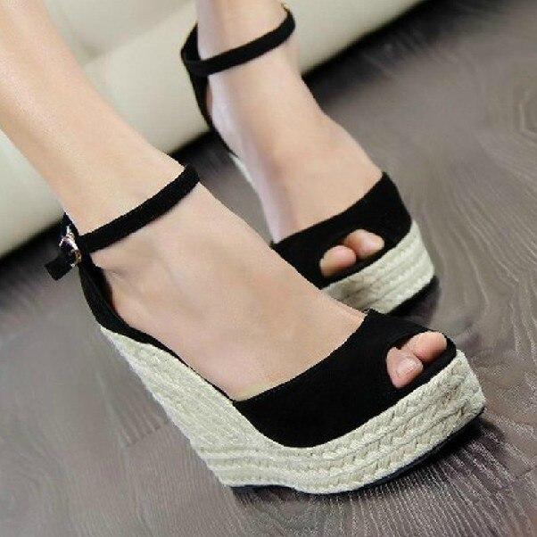 8357efa454 Moda feminina peep toe aberto cunhas sandálias plataforma de veludo  Elegante Roma inclinação plataforma sapato cunhas