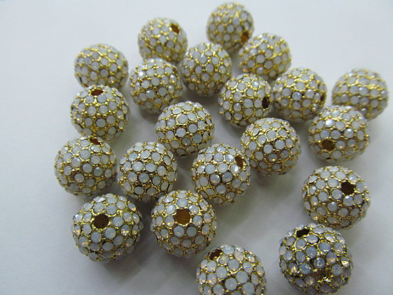 Micro pave opal beads 50pcs 6 8 10 12mm Bling Pave Opal Crystal Brass Spacer Round Ball Gunmetal Gold Antique silver Charm beads 12pcs 15 20mm pave micro cz crystal pave bling beads white silver crystal cz bead black gunmetal cube square box brick charm jew