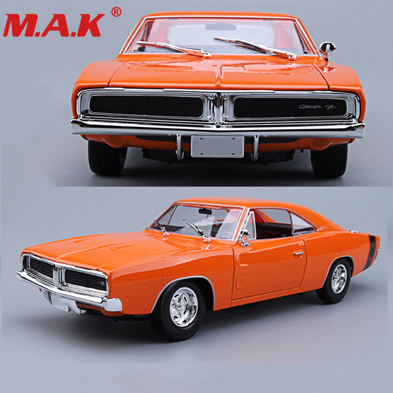 Kid car toys 1:18 scale diecast car model 1969 alloy muscle car charger R/T black/orange color collective collection image