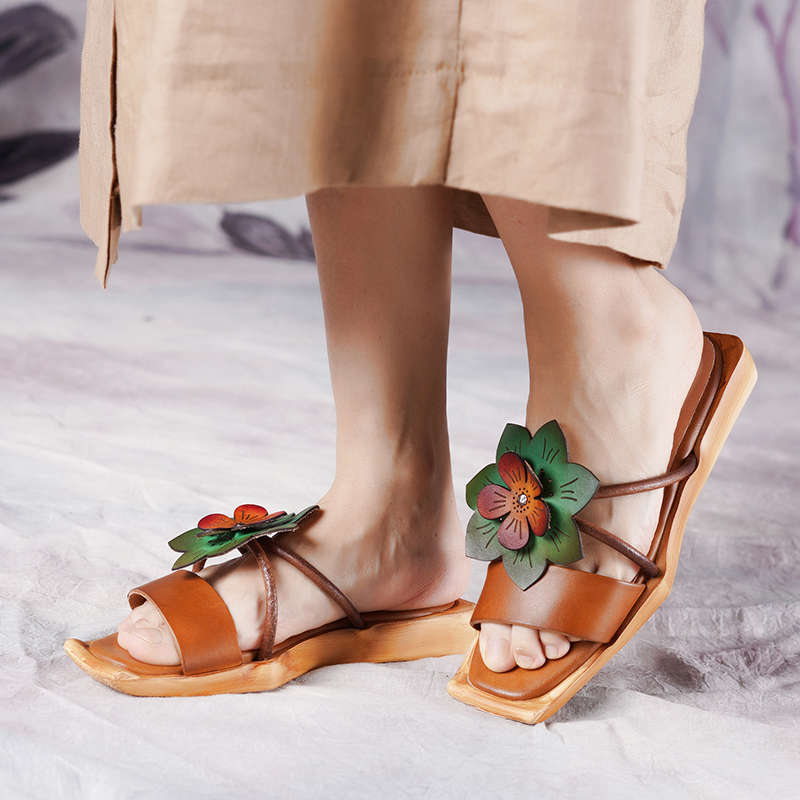 2019 Summer New Genuine Leather flat shoes women s Retro flowers comfortable personality casual sandals women