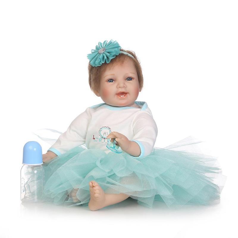 Bella Simulazione Realistica Reborn Doll Molle Del Silicone Realistico Artificiale Per Bambini Bambole di Stoffa Giocattolo Regali Di NataleBella Simulazione Realistica Reborn Doll Molle Del Silicone Realistico Artificiale Per Bambini Bambole di Stoffa Giocattolo Regali Di Natale