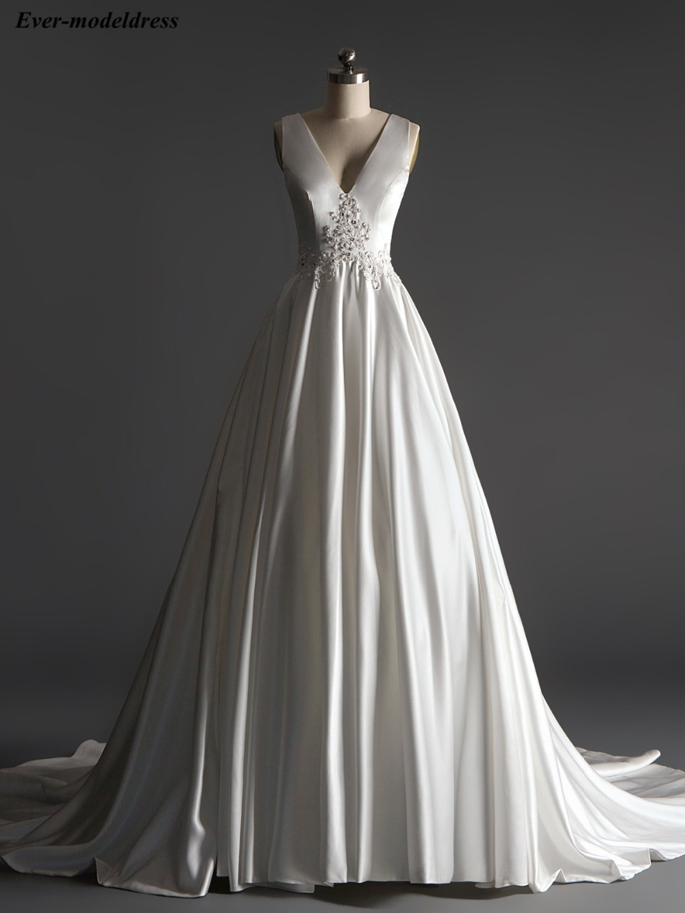 Modest Simple Wedding Dresses Satin Lace Appliques Beaded Sequins Pearls Back Sweep Train A-Line Bridal Gowns Robe De Mariee