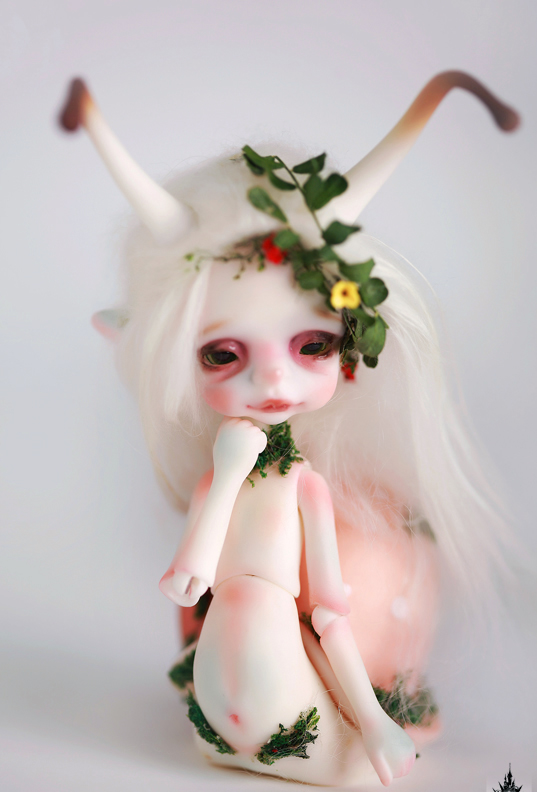 1/8 scale BJD Pet Elf pop BJD/SD cute snails Larry Resin figure doll DIY Model Toys gift.Not included Clothes,shoes,wig